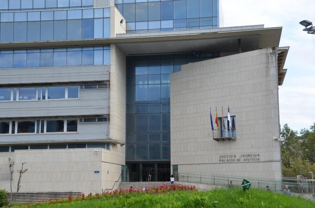 Frente despacho abogados Jose Miguel Cámara y Asociados